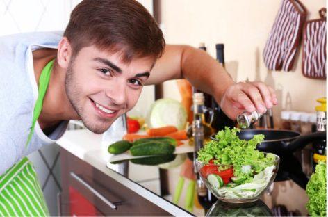 Мужчины Сальска, а вы готовы на кулинарные подвиги в праздник 8 Марта?