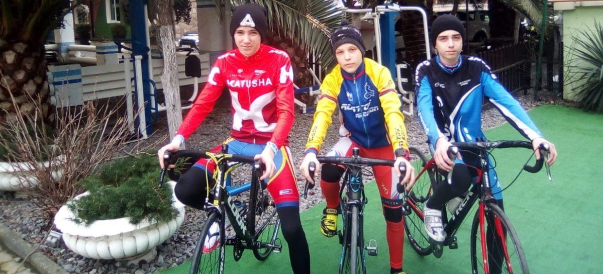 Сальчане побеждают на велосипедах в Адлере и Ростове