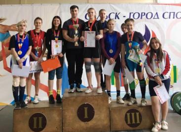 Сальские тяжелоатлеты завоевали восемь медалей на Олимпиаде Дона