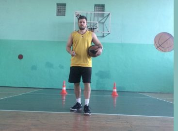 Сальчане в онлайне: запущен проект «Играющий тренер»