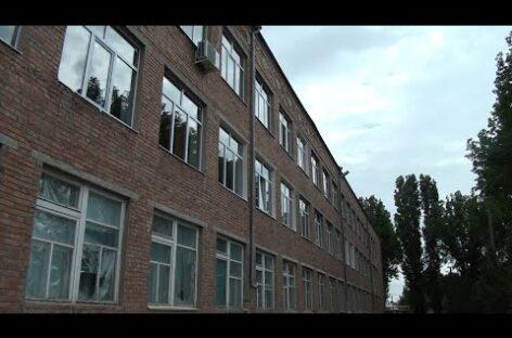 Будет тепло: в седьмой школе Сальска меняют окна