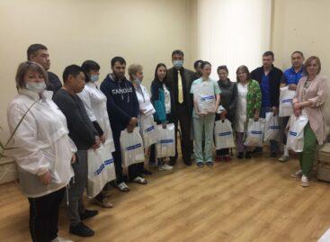#СпасибоВрачам: сальские медики получили продуктовые наборы