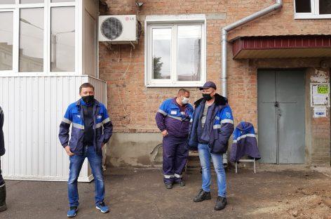 В шестиэтажном доме по улице Московской, 19, в Сальске произошла утечка газа