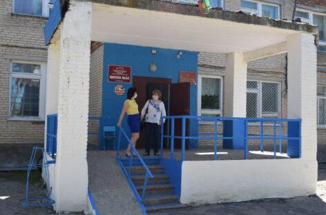 Школа № 24 стала центром притяжения людей в Манычстрое