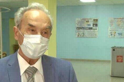 По поправкам в Конституцию проголосовал главный сердечно-сосудистый хирург ЮФО