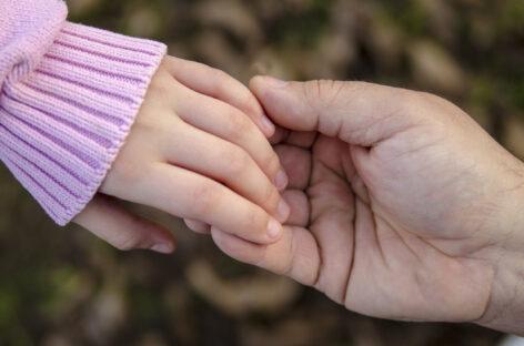 Правительство утвердило правила выплат гражданам, принявшим инвалидов, престарелых и сирот