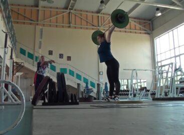 Сальская тяжелоатлетка Дарья Рязанова вернулась в зал и готовится к стартам