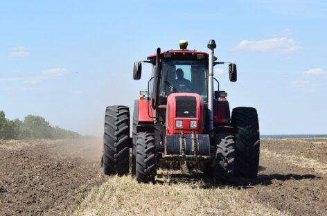 Около 2.000 тонн зерна нового урожая собрали аграрии хозяйства «Успех Агро»