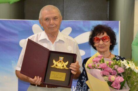 Семьи — на вес золота: в Сальске и районе чествовали  юбиляров, проживших долгие годы в браке