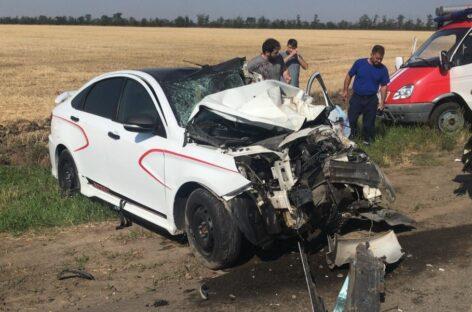 В Сальском районе водитель на «Ладе Весте» въехал в попутный  КамАЗ