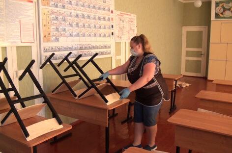 Обновили мебель, ждут большой ремонт: как живет в каникулы школа № 51 села Березовка