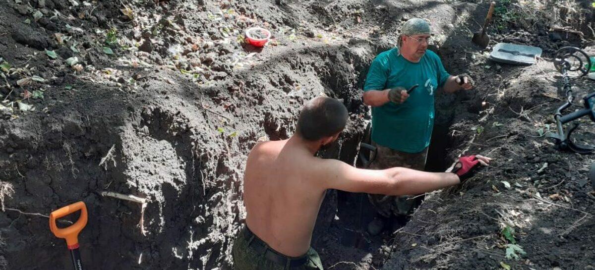 Сальские поисковики вернулись с последней в этом году летней «Вахты памяти» в Куйбышевском районе