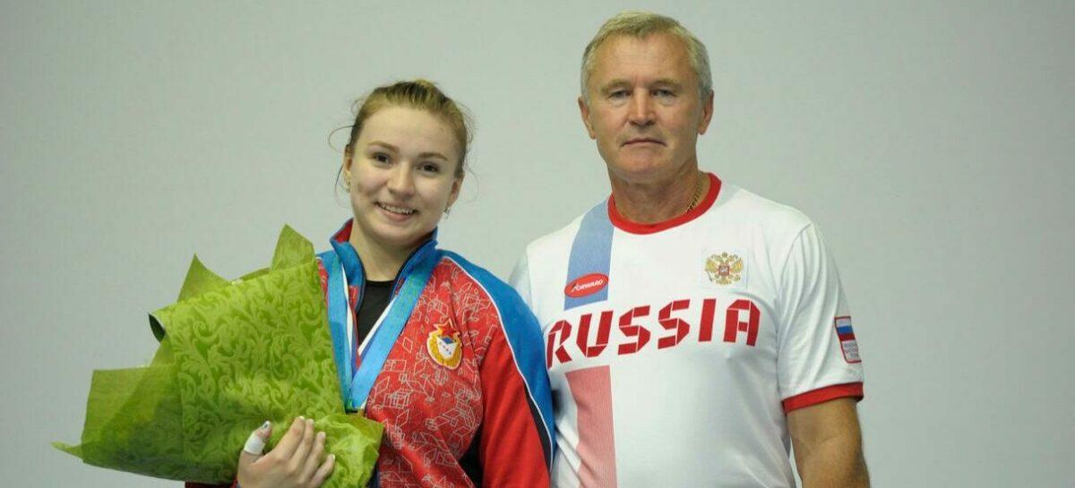 На сальчанку Дарью Рязанову возлагают надежды на чемпионате Европы по тяжелой атлетике