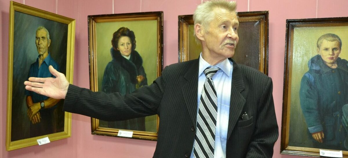 Сальскому художнику Геннадию Литвиненко удаётся вникнуть в суть образа героев своих портретов