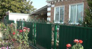 Самый лучший двор находится на самой чистой улице в Сальске