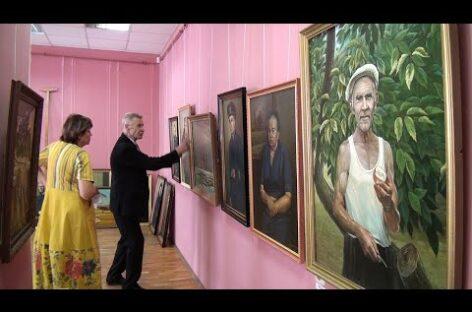 В музее работает персональная выставка художника Геннадия Литвиненко