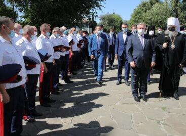 Губернатор поприветствовал казаков на освящении колокольни Воскресенского войскового собора в Старочеркасской