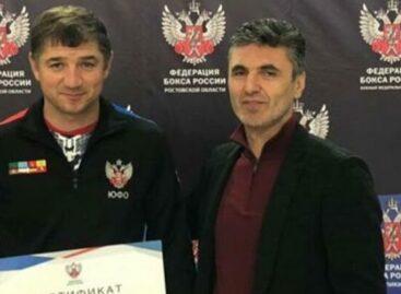 Сальский тренер по боксу подготовил трех чемпионов ЮФО