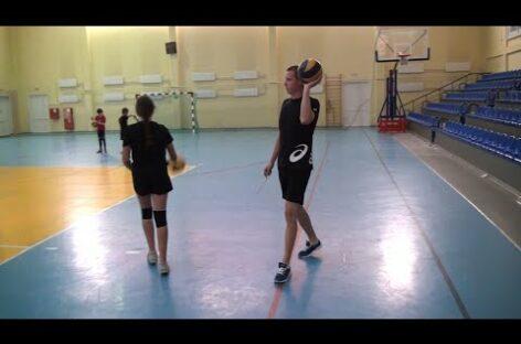 В сальском спорткомплексе появился новый тренер по волейболу