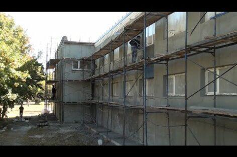В ДК поселка Сеятель Сальского района продолжается капитальный ремонт