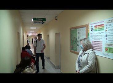 В сальской поликлинике пациентов принимают по новому режиму