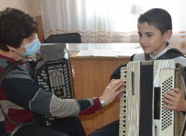Пандемия не мешает юным музыкантам и танцорам заниматься творчеством