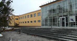 Капитальный ремонт в Сеятеле: фасад дк приобрел лимонный оттенок