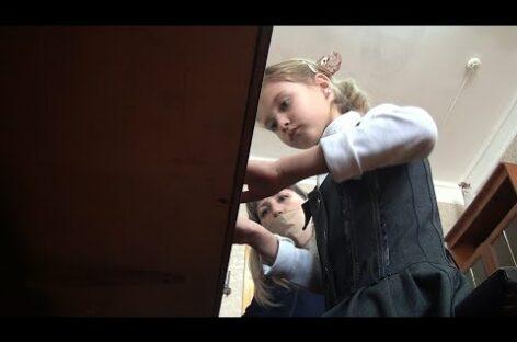В пандемию не расслабиться: Сандатовская музыкальная школа учит игре на инструментах