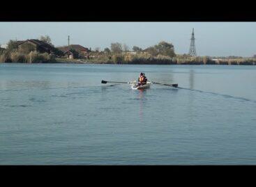 Команды сушить весла не было: гребцы-академисты тренируются на воде