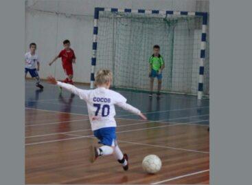 Сальск — Песчанка: кто кого обыграл в мини-футбол среди детских команд?