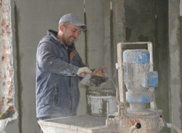 Капитальный ремонт в детском саду «Ивушка» в Сальске идёт с опережением графика