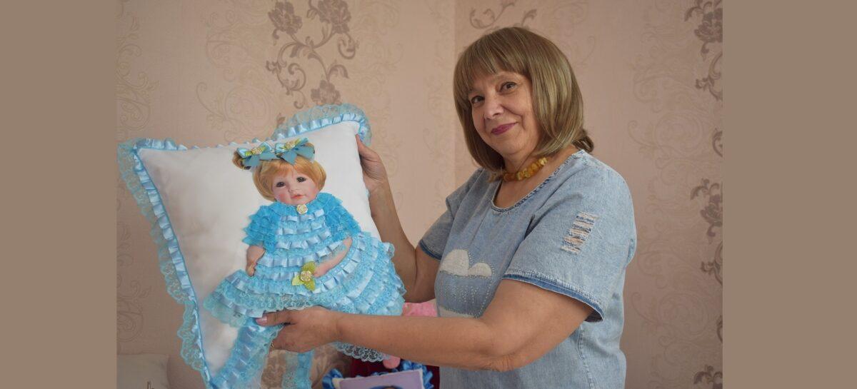 Сальчанка приготовила новогодние подарки своими руками