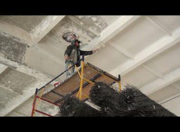 Добрались до потолка: в ДК поселка Сеятель идет капитальный ремонт