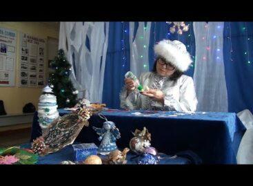 Нарядно и празднично: как сделать новогоднюю игрушку из глиттерного фоамирана, знает мастерица Ольга Пинчук