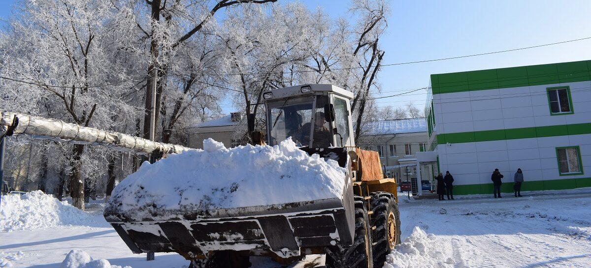 Эхо снегопада: коммунальщики до сих пор отражают удар зимы