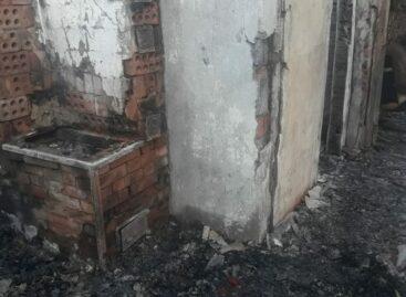 В Сальском районе в сгоревшей даче обнаружили труп мужчины