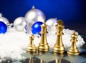 В Сальске в шахматном турнире сразились и дети, и взрослые