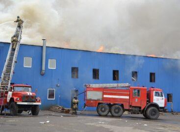 Серьёзный пожар разгорелся в Сальске сегодня