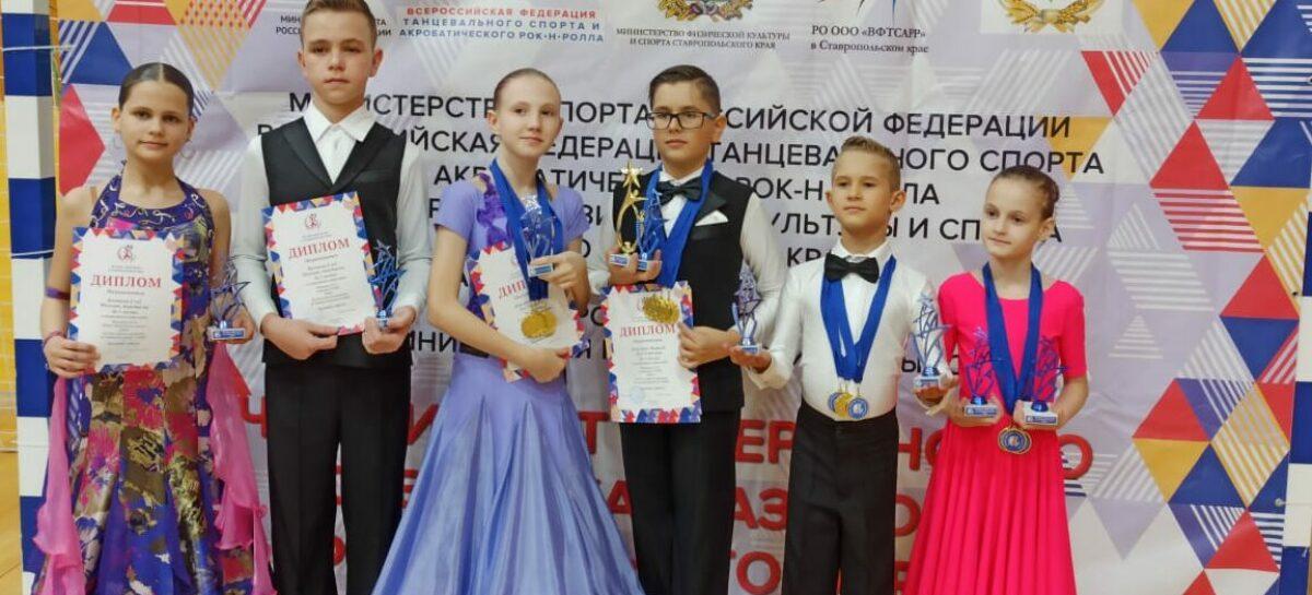 Сальчане станцевали в Невинномысске и привезли 22 медали и 4 кубка