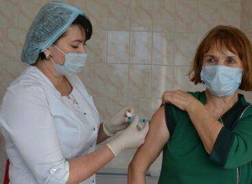 Уже 666: список вакцинированных сальчан увеличивается