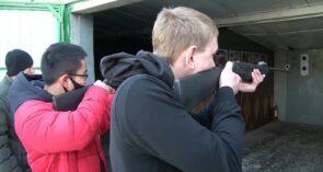 Три пристрельных, пять — в зачет: курсанты автошкол ДОСААФ посоревновались в меткости
