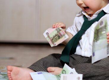 Сальчанам напомнили о выплате в 5 тысяч рублей на детей до 8 лет