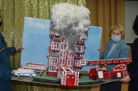 Юные сальчане показали, какой они видят пожарную безопасность