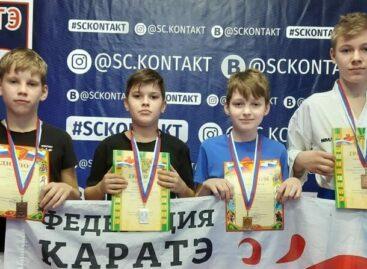 Сальские каратисты добыли шесть наград в Ростове