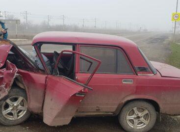 В Сальском районе автоледи на «копейке» не уступила дорогу водителю на «семёрке»