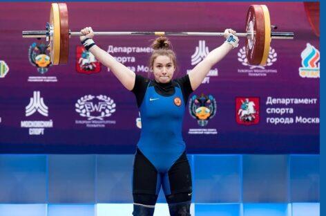 Сальчанка Дарья Рязанова заняла третье место на чемпионате Европы по тяжелой атлетике