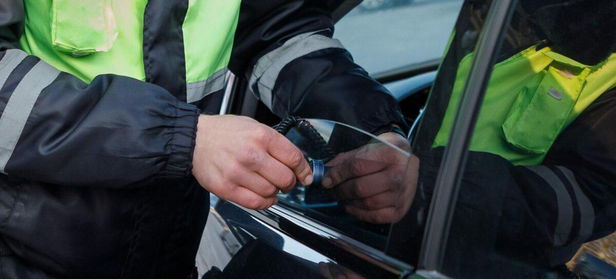 В апреле ГИБДД в Сальске особенно внимательно смотрит на тонировку и следит за мотоциклистами