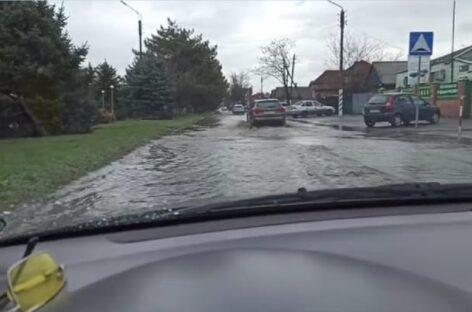 Сальск продолжает плавать после дождей