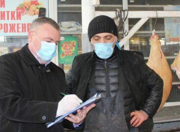 С нарушителями масочного режима на рынках Дона проводят разъяснительную работу