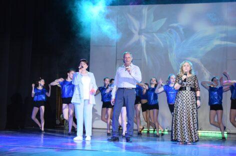 Сальский ансамбль «Лазоревая степь» впервые с начала пандемии дал «живой» концерт в зале РДК